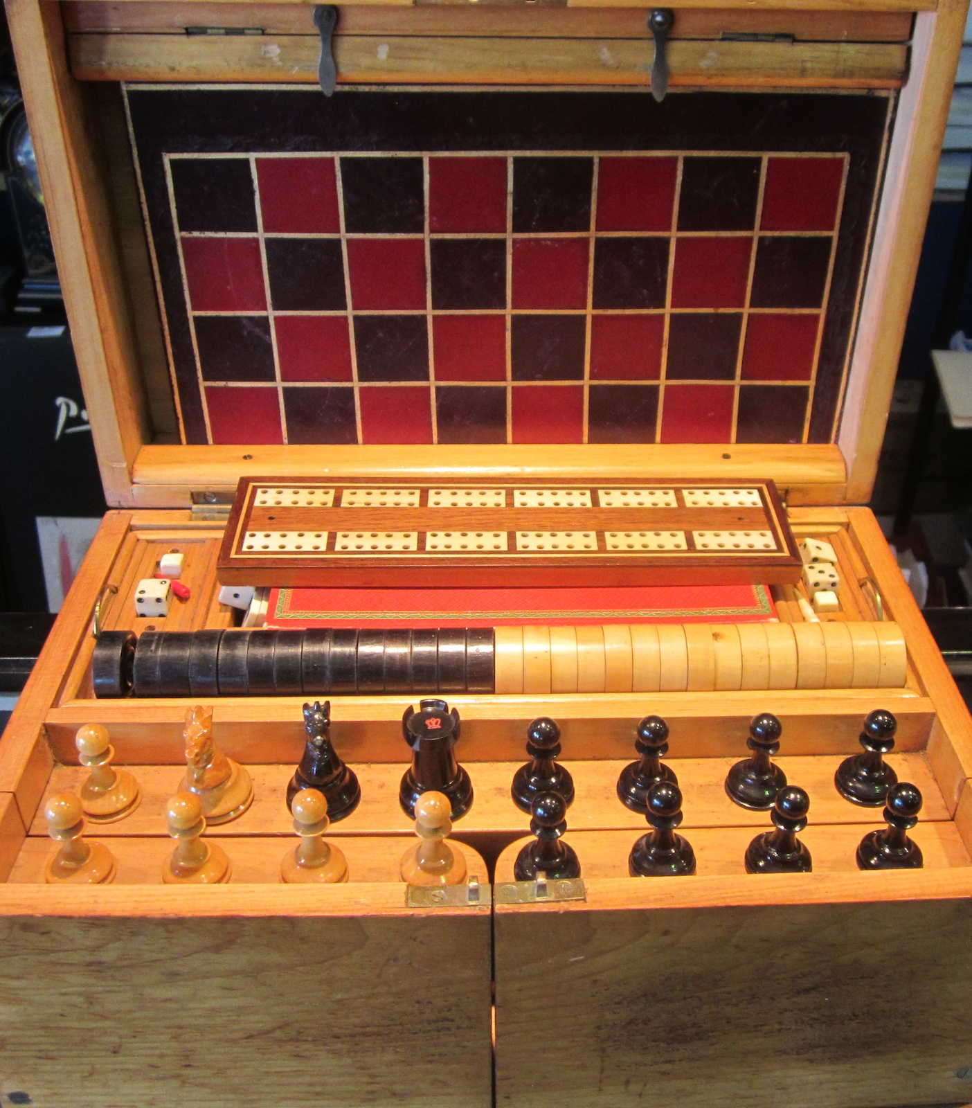 GAMES BOX (antiques)